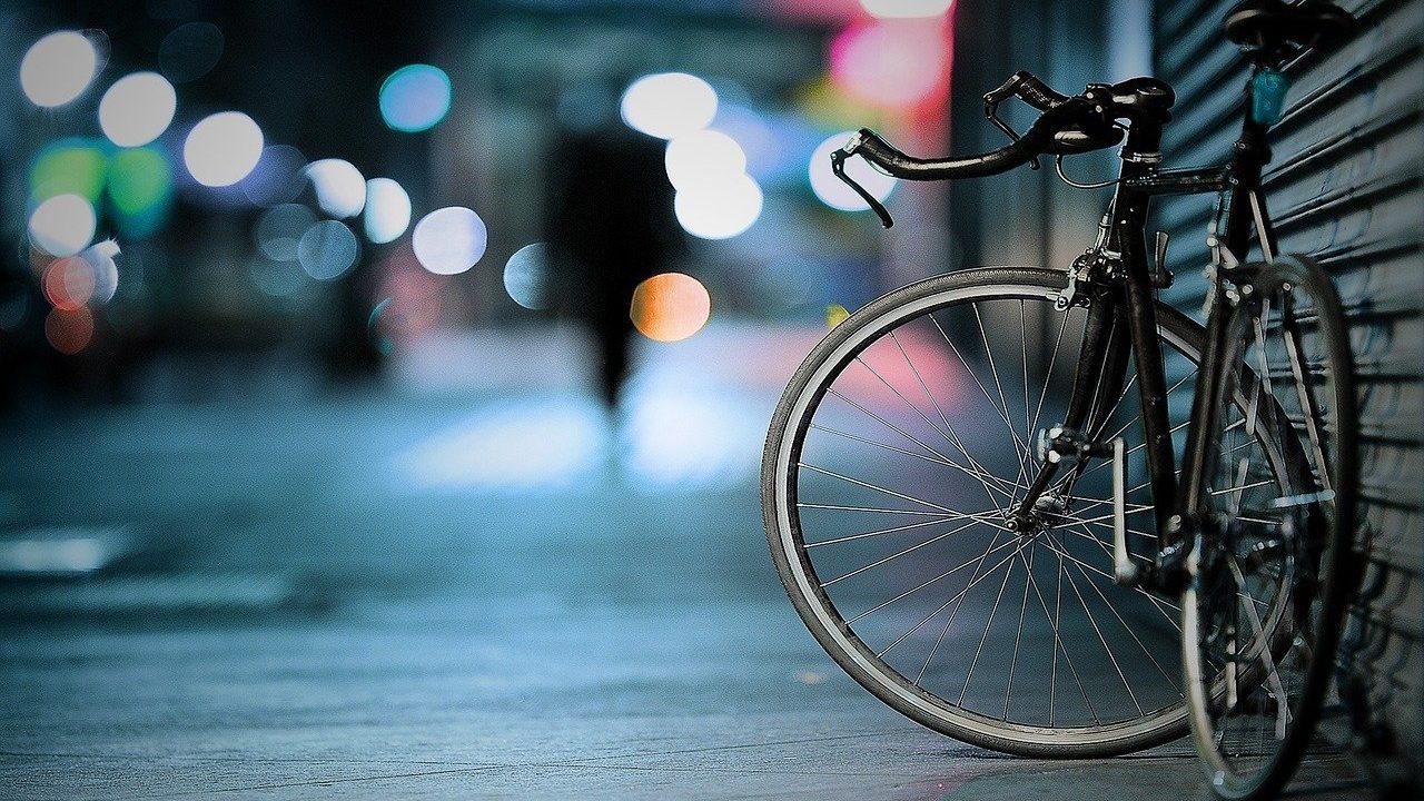 Rad bei Nacht